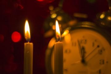 Relógio e velas